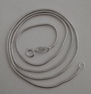 Zilveren snake collier